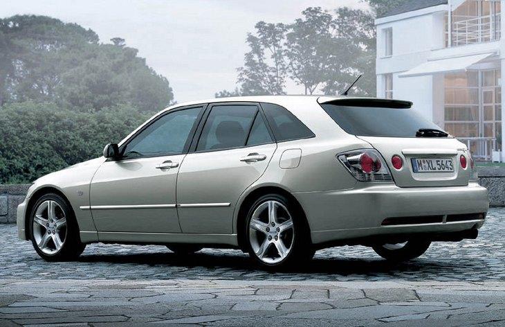 Toyota Altezza 1998 - 2005 Station wagon 5 door #1