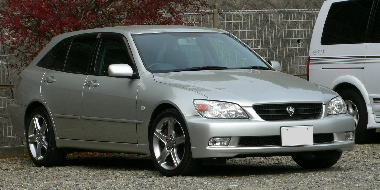Toyota Altezza 1998 - 2005 Station wagon 5 door #6