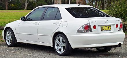 Toyota Altezza 1998 - 2005 Station wagon 5 door #2