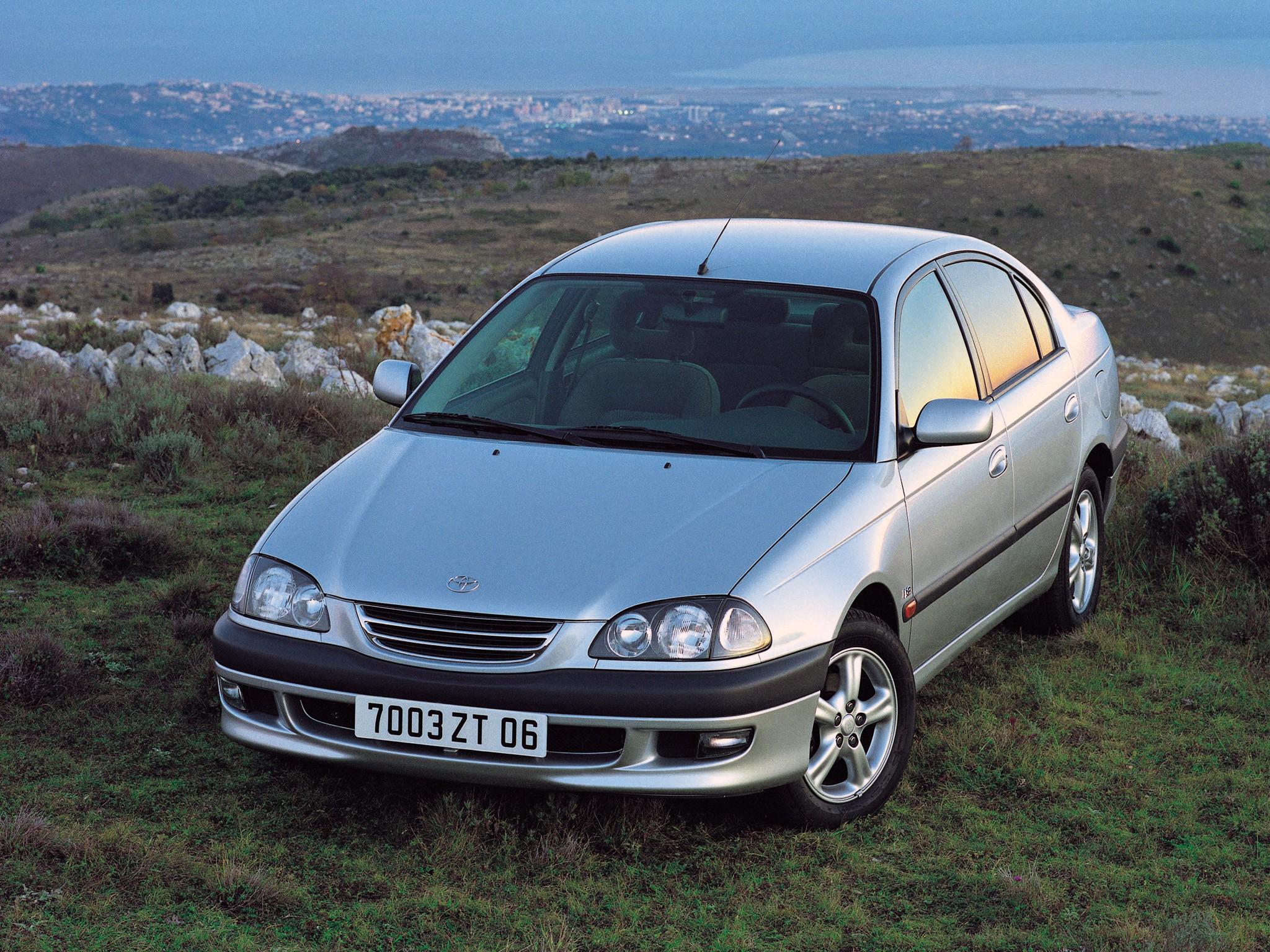 Toyota Avensis I 1997 - 2000 Hatchback 5 door #1