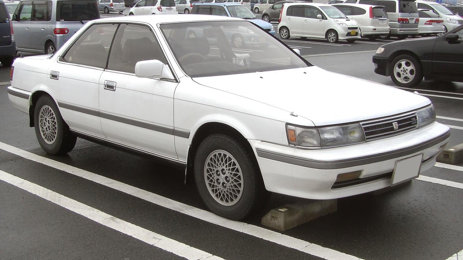 Toyota Vista I (V10) 1982 - 1986 Hatchback 5 door #1