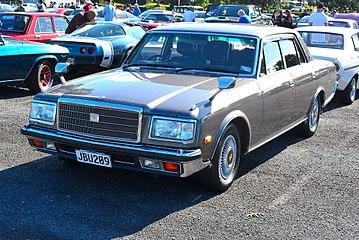 Toyota Century I (G40) 1967 - 1997 Sedan #4