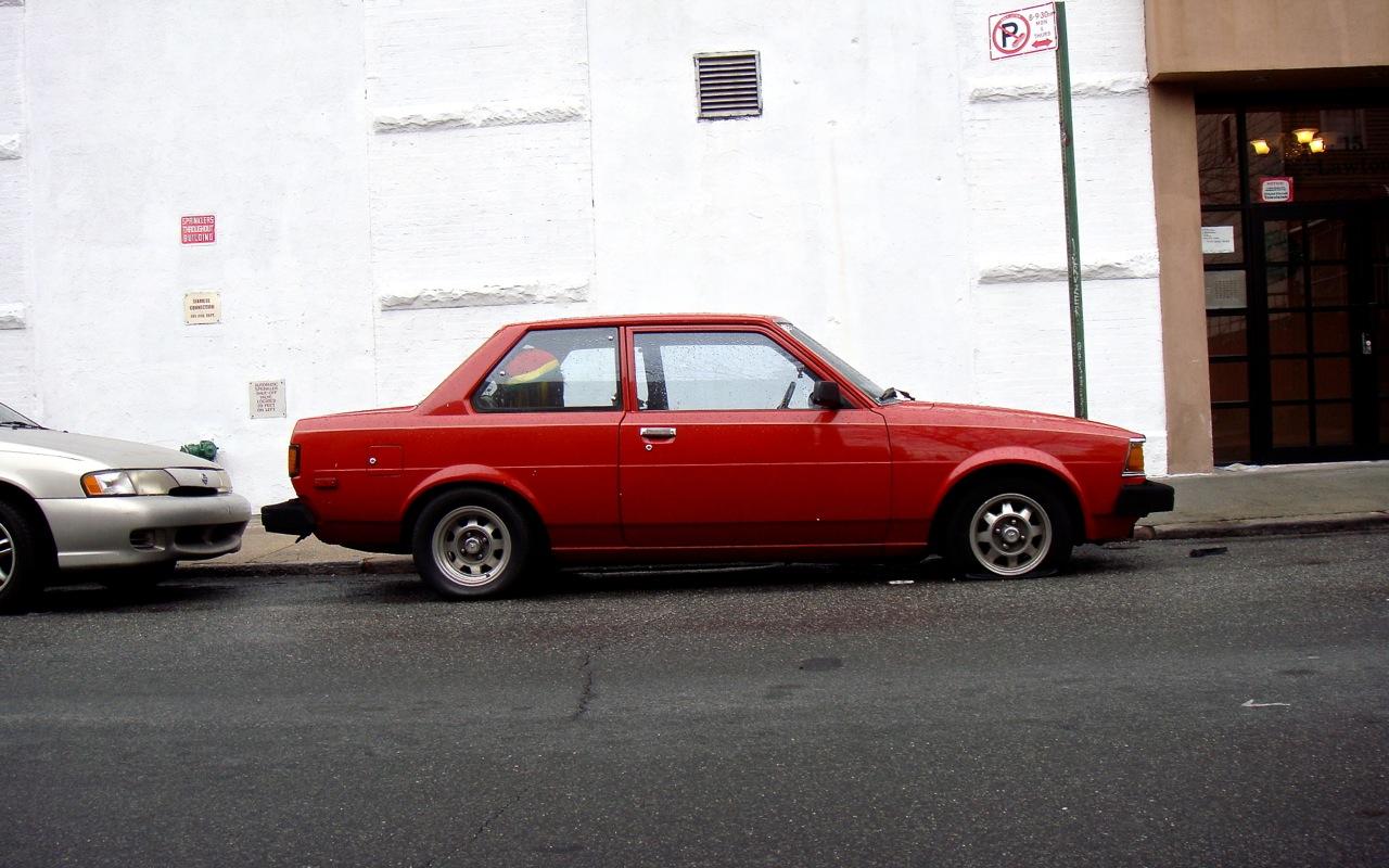 Toyota Corolla II I (L10) 1978 - 1982 Hatchback 3 door #2