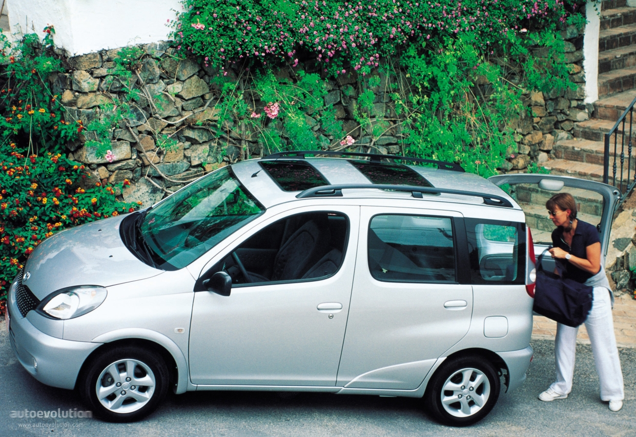 Toyota Yaris Verso 1999 - 2006 Compact MPV #6
