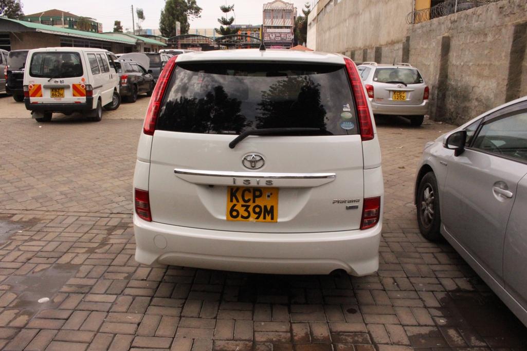 Toyota ISis I 2004 - 2009 Compact MPV #1