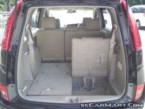 Toyota ISis I 2004 - 2009 Compact MPV #6