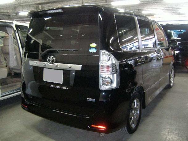 Toyota Noah I (R60) 2001 - 2007 Minivan #1