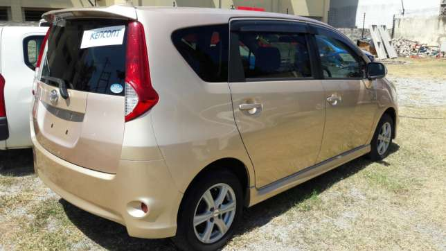 Toyota Passo Sette 2008 - 2012 Compact MPV #3