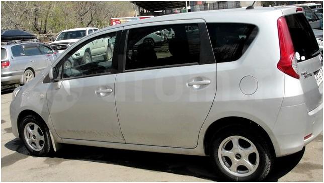 Toyota Passo Sette 2008 - 2012 Compact MPV #2
