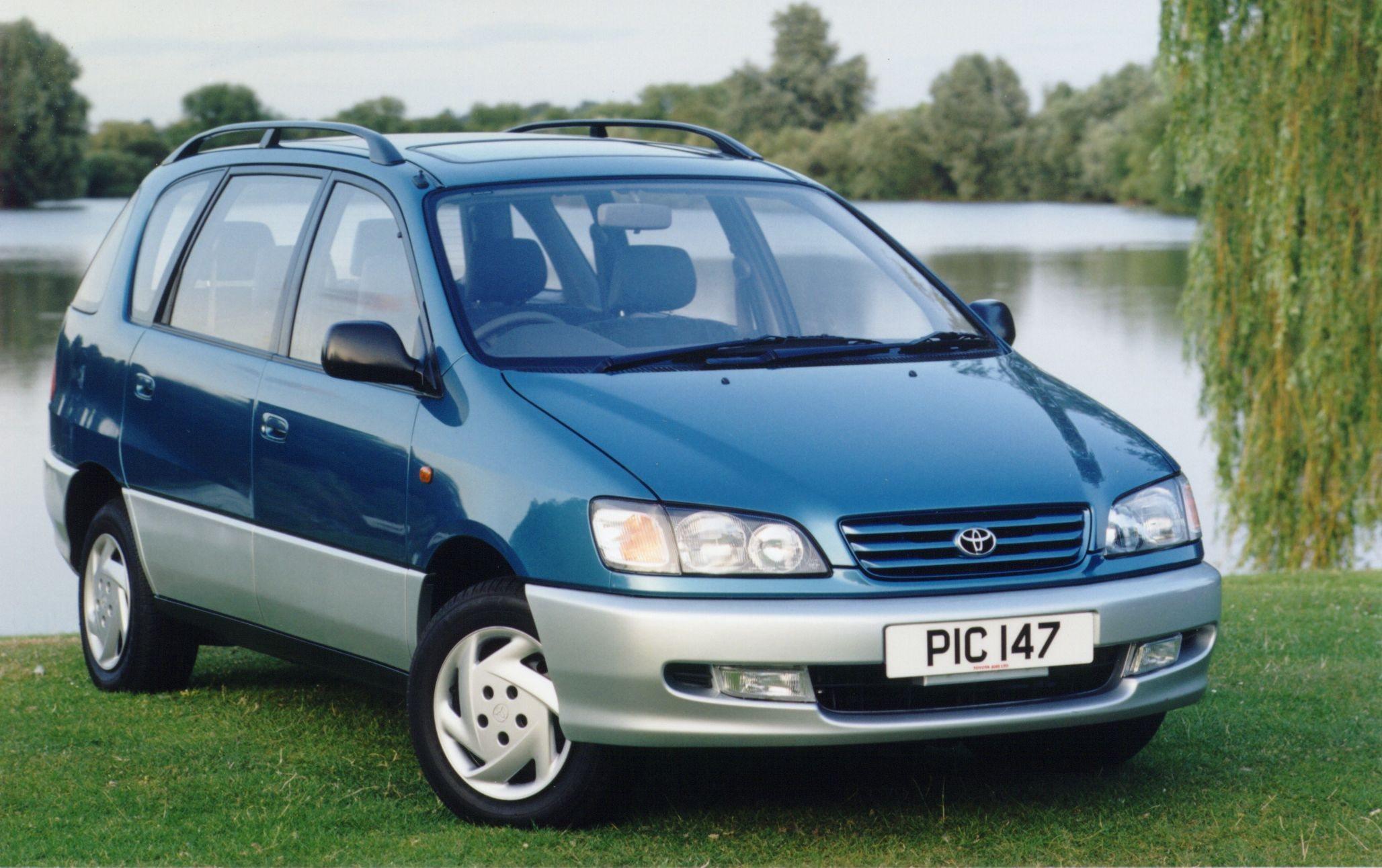 Toyota Picnic I 1996 - 2001 Compact MPV #1