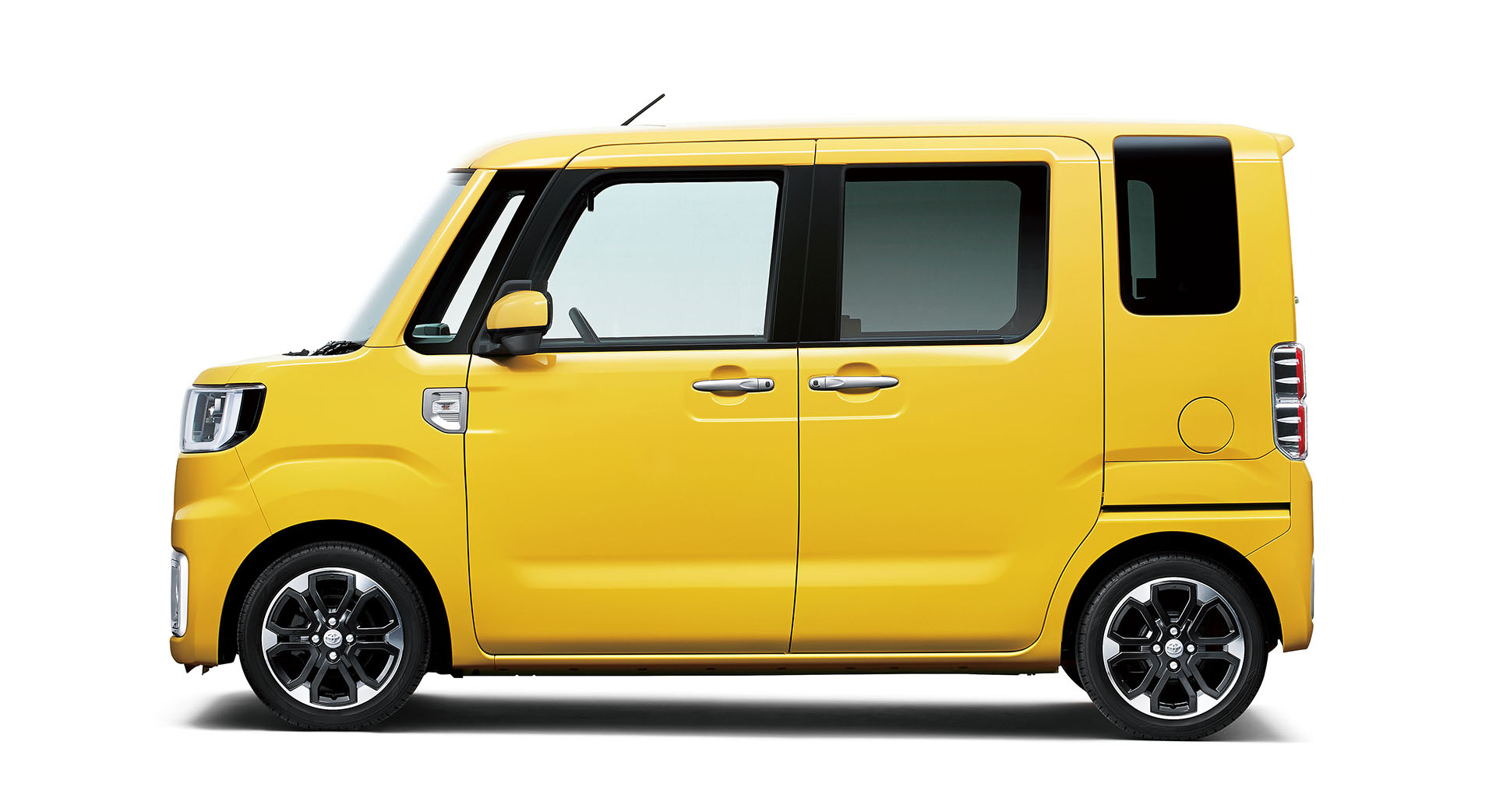 Toyota Pixis Mega 2015 - now Microvan #5