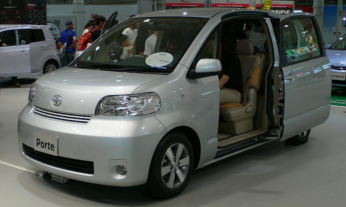 Toyota Porte I 2004 - 2012 Compact MPV #8
