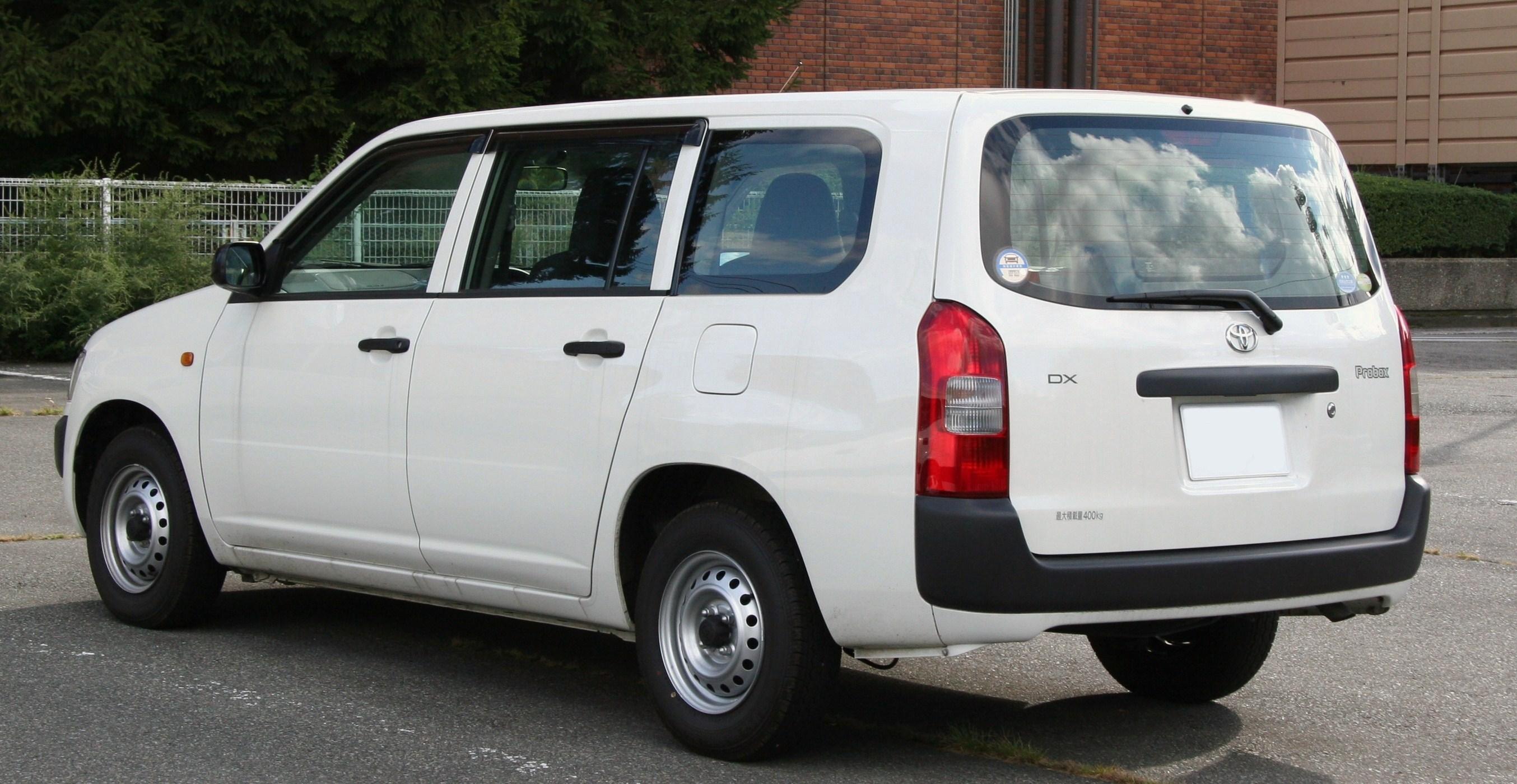 Toyota Succeed I 2002 - 2014 Station wagon 5 door #3