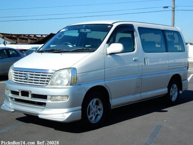 Toyota Regius 1999 - 2002 Minivan #1
