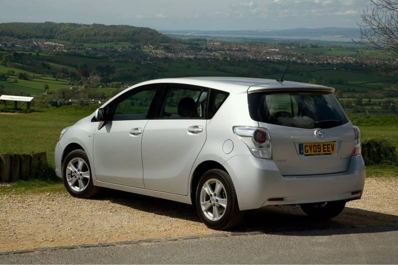 Toyota Verso II 2012 - now Compact MPV #5