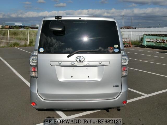 Toyota Voxy II (R70) 2007 - 2010 Minivan #3