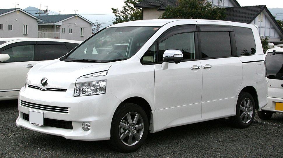 Toyota Voxy II (R70) Restyling 2010 - 2013 Minivan #3