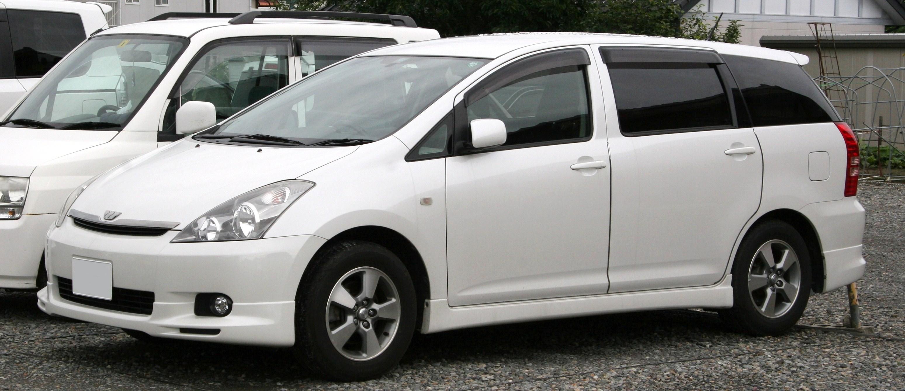 Toyota Wish I 2003 - 2005 Compact MPV #3