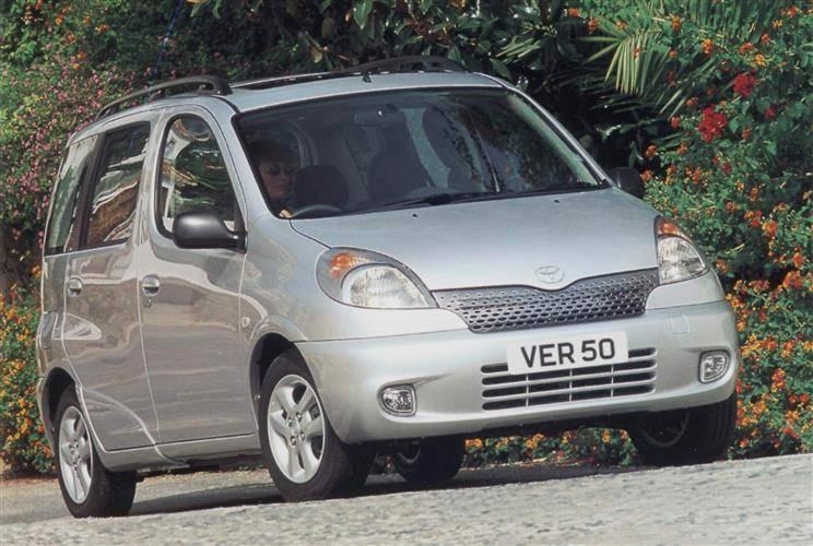 Toyota Yaris Verso 1999 - 2006 Compact MPV #8