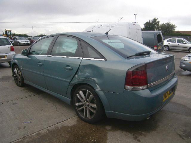 Vauxhall Vectra C 2002 - 2009 Hatchback 5 door #3