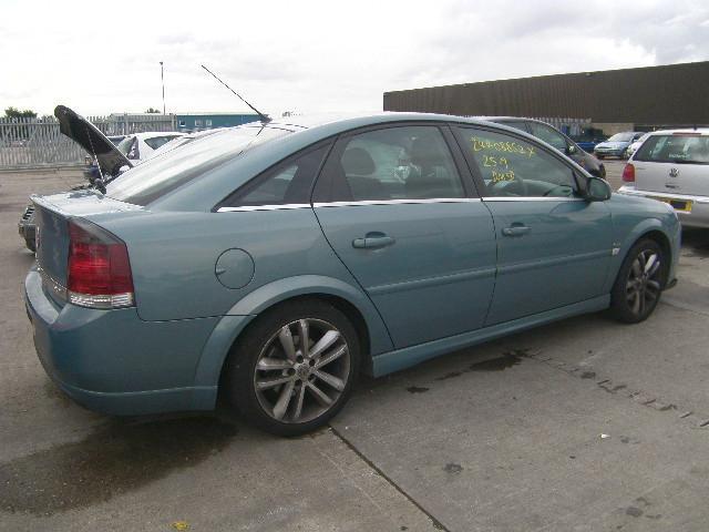Vauxhall Vectra C 2002 - 2009 Hatchback 5 door #4