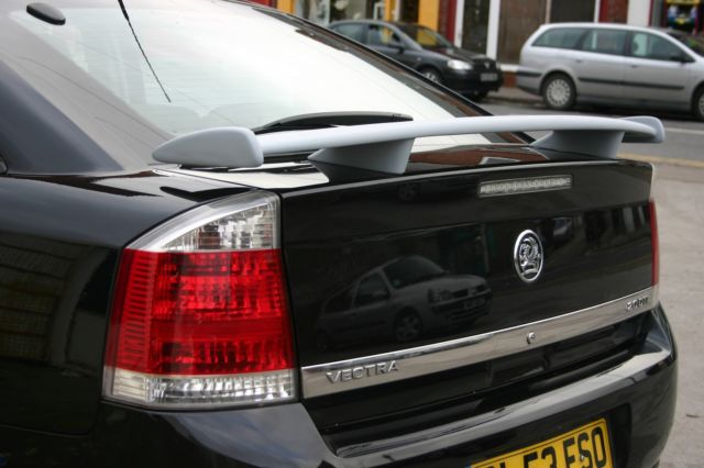 Vauxhall Vectra C 2002 - 2009 Sedan #4