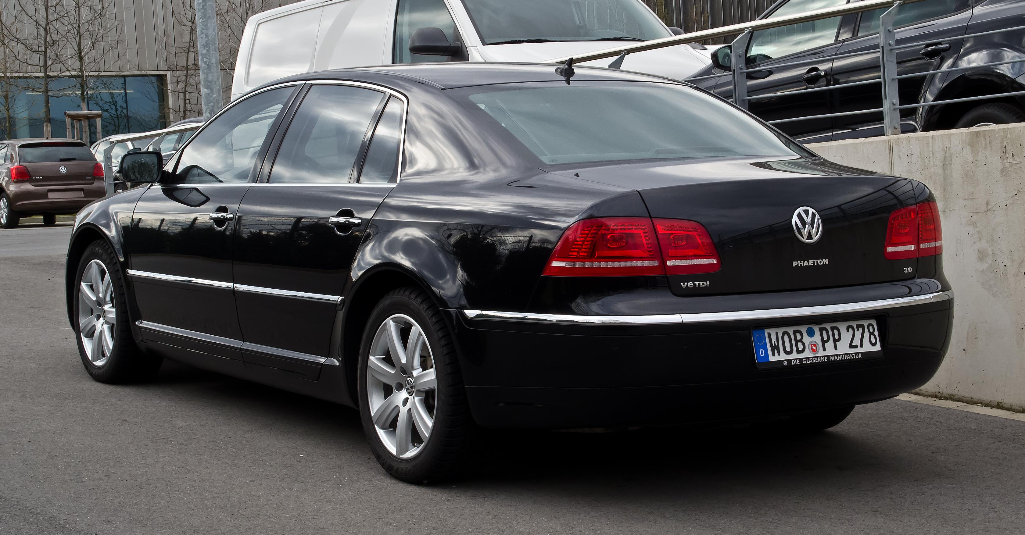 Volkswagen Phaeton I 2002 - 2010 Sedan #2