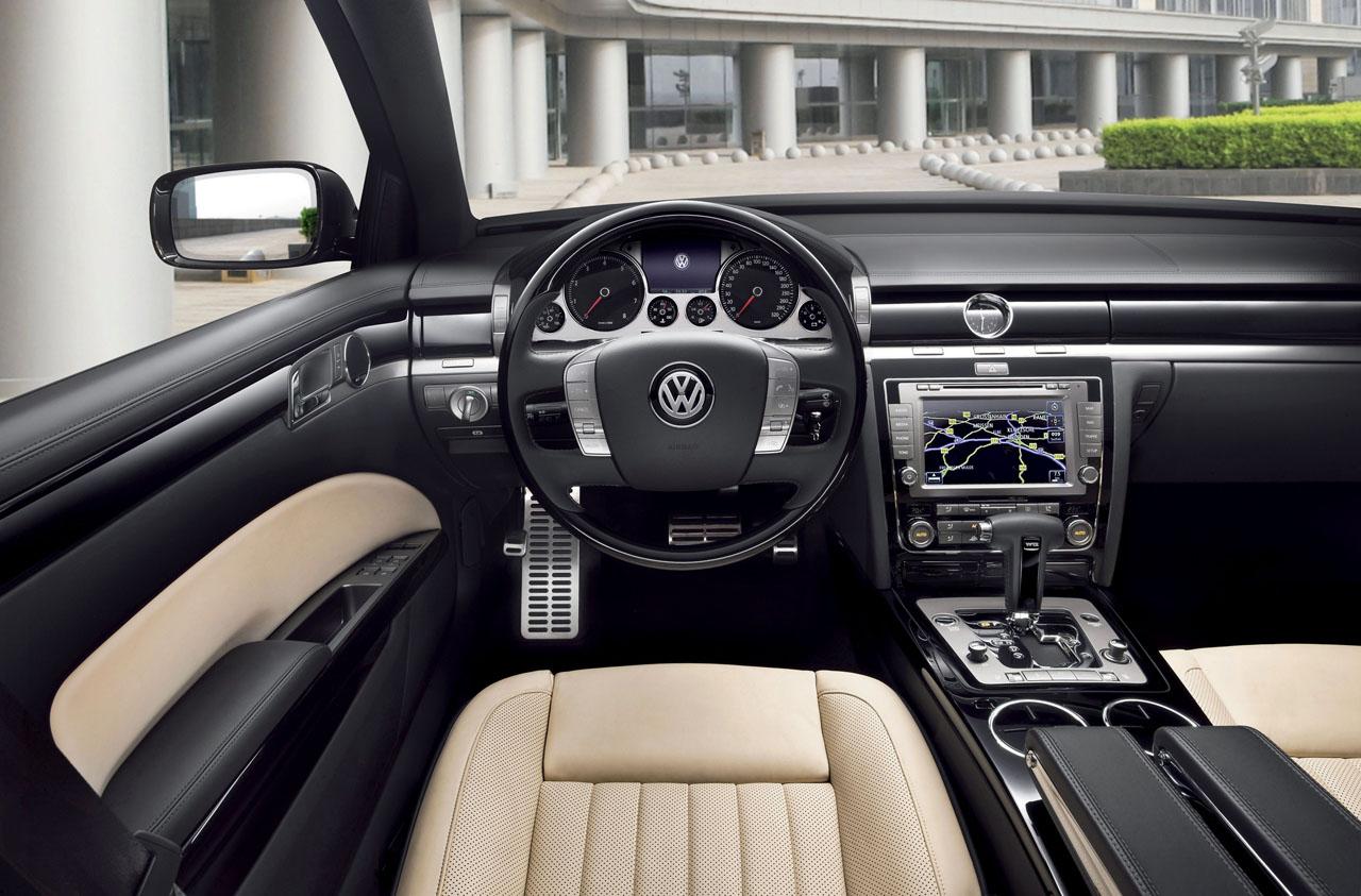 Volkswagen Phaeton I 2002 - 2010 Sedan #7