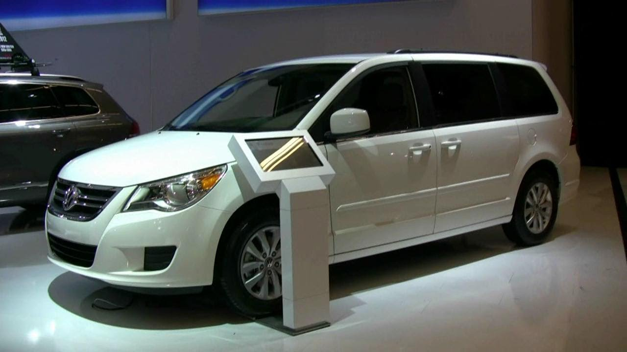 Volkswagen Routan 2008 - 2012 Minivan #3