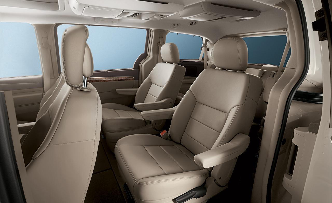 Volkswagen Routan 2008 - 2012 Minivan #7