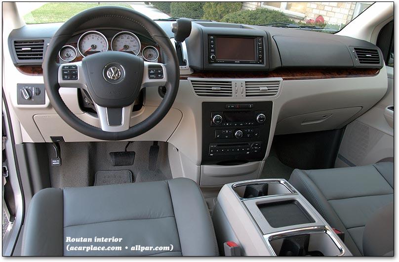 Volkswagen Routan 2008 - 2012 Minivan #6