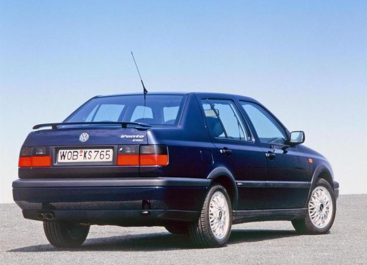 Volkswagen Vento 1992 - 1998 Sedan #1