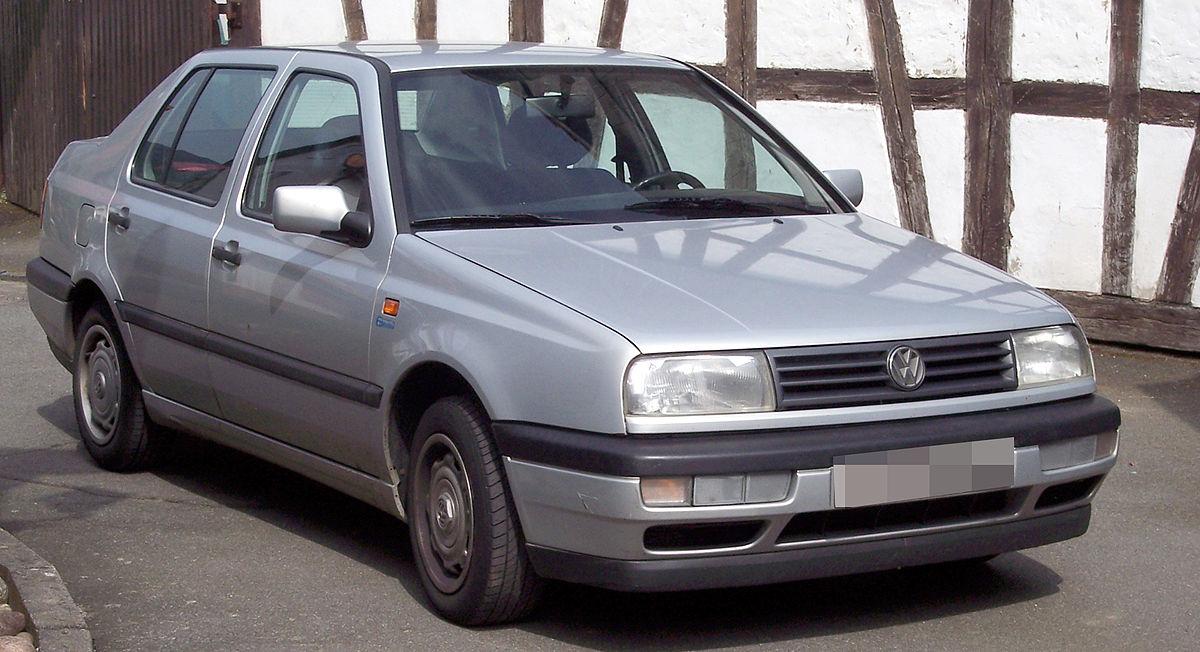 Volkswagen Vento 1992 - 1998 Sedan #3