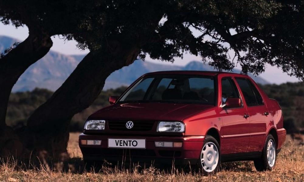 Volkswagen Vento 1992 - 1998 Sedan #6