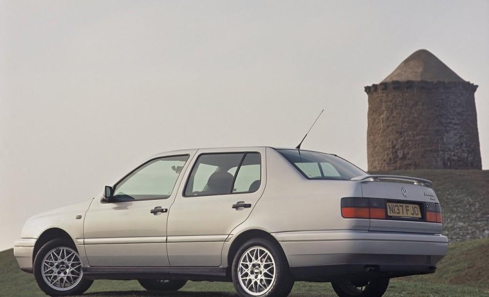 Volkswagen Vento 1992 - 1998 Sedan #7