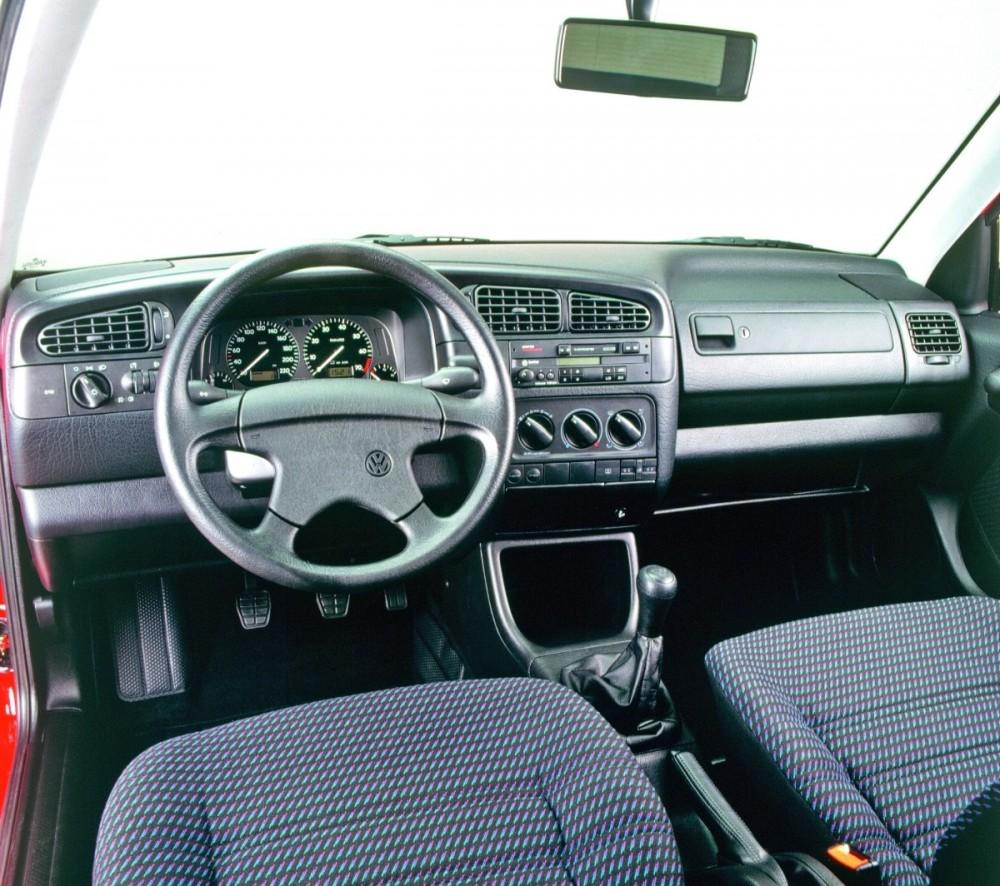 Volkswagen Vento 1992 - 1998 Sedan #5
