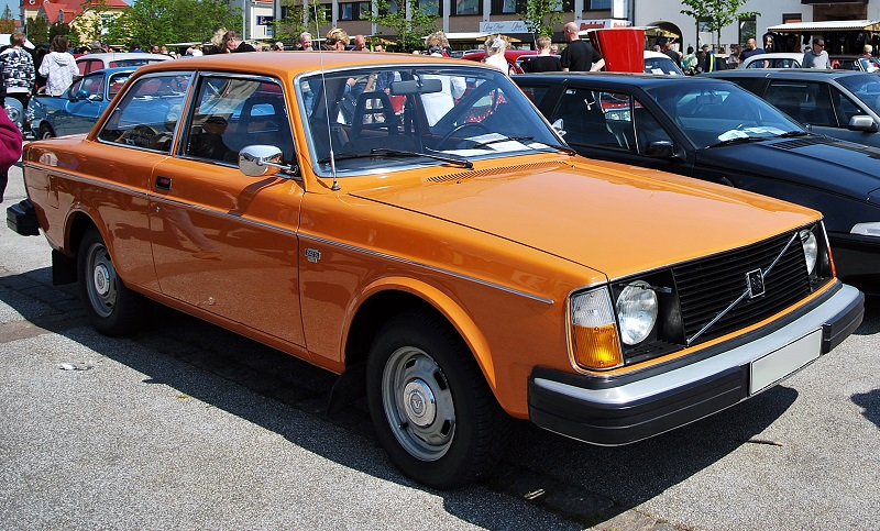 Volvo 240 Series 1974 - 1993 Sedan 2 door #7