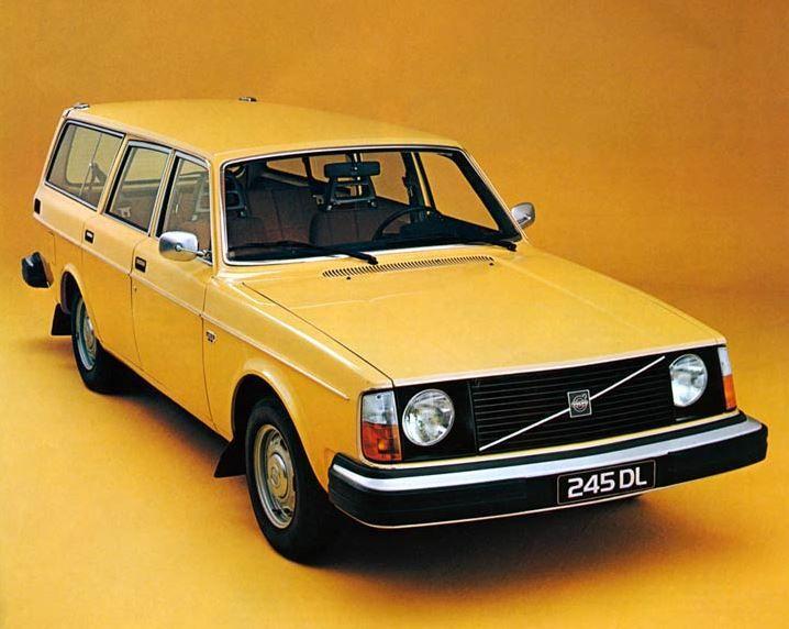 Volvo 140 Series 1966 - 1975 Sedan 2 door #2