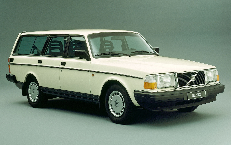 Volvo 240 Series 1974 - 1993 Station wagon 5 door #1