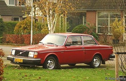 Volvo 260 Series 1974 - 1982 Sedan #1