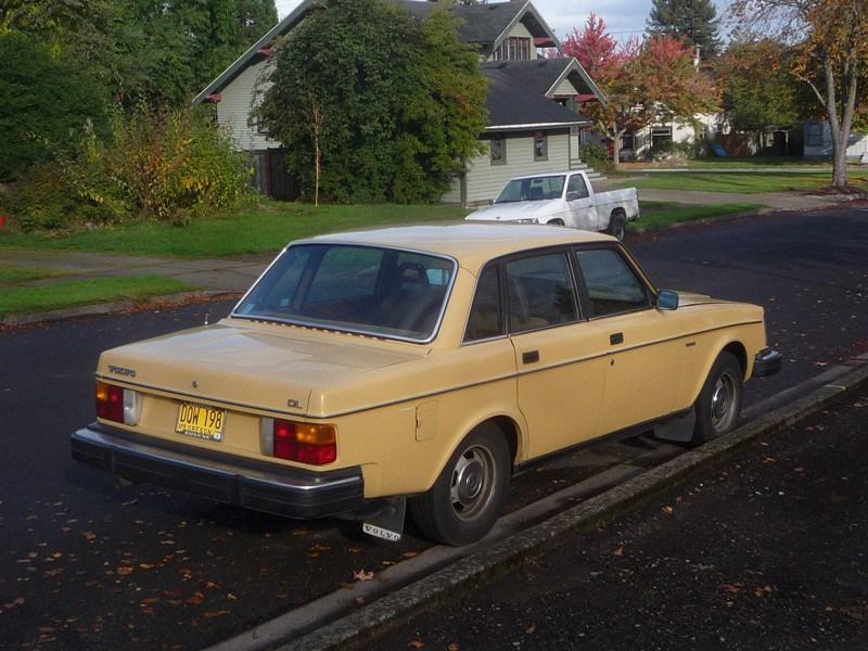 Volvo 260 Series 1974 - 1982 Sedan #4