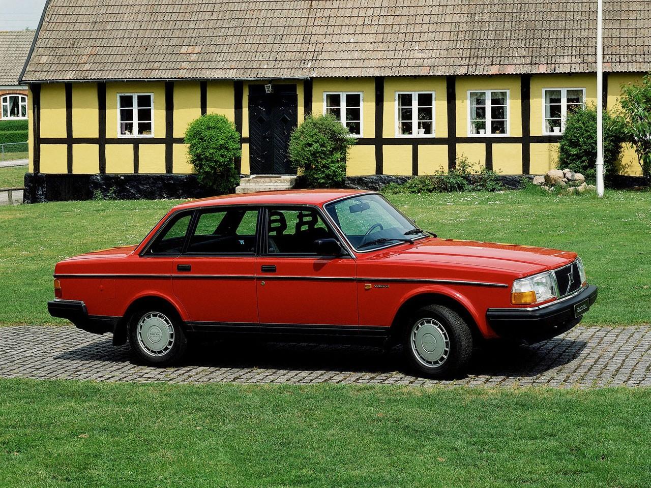 Volvo 260 Series 1974 - 1982 Sedan #3