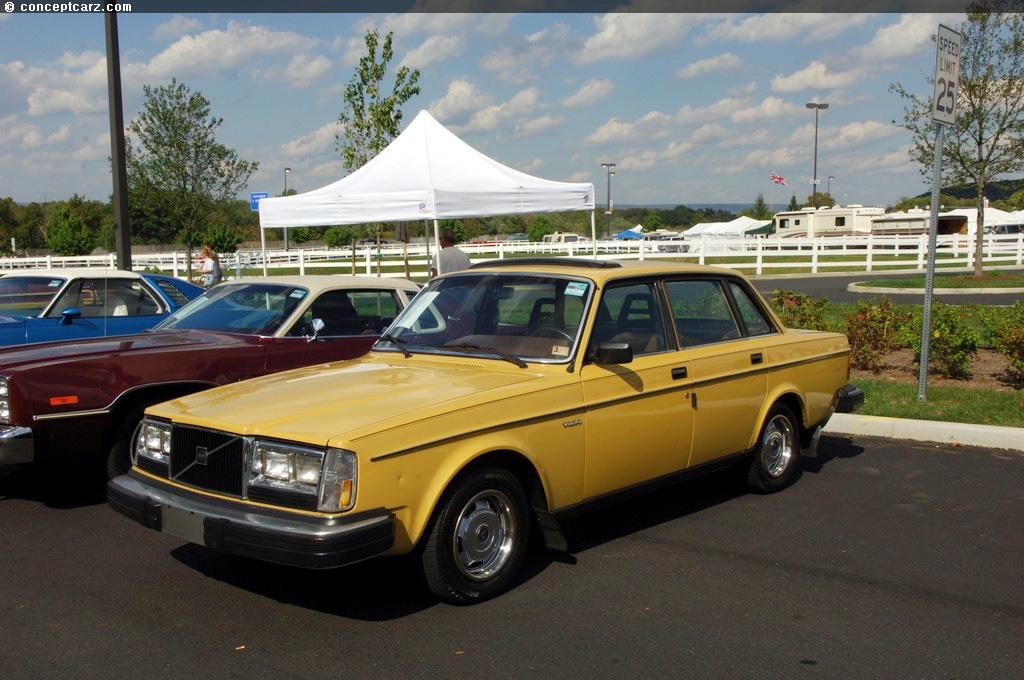 Volvo 260 Series 1974 - 1982 Sedan #2