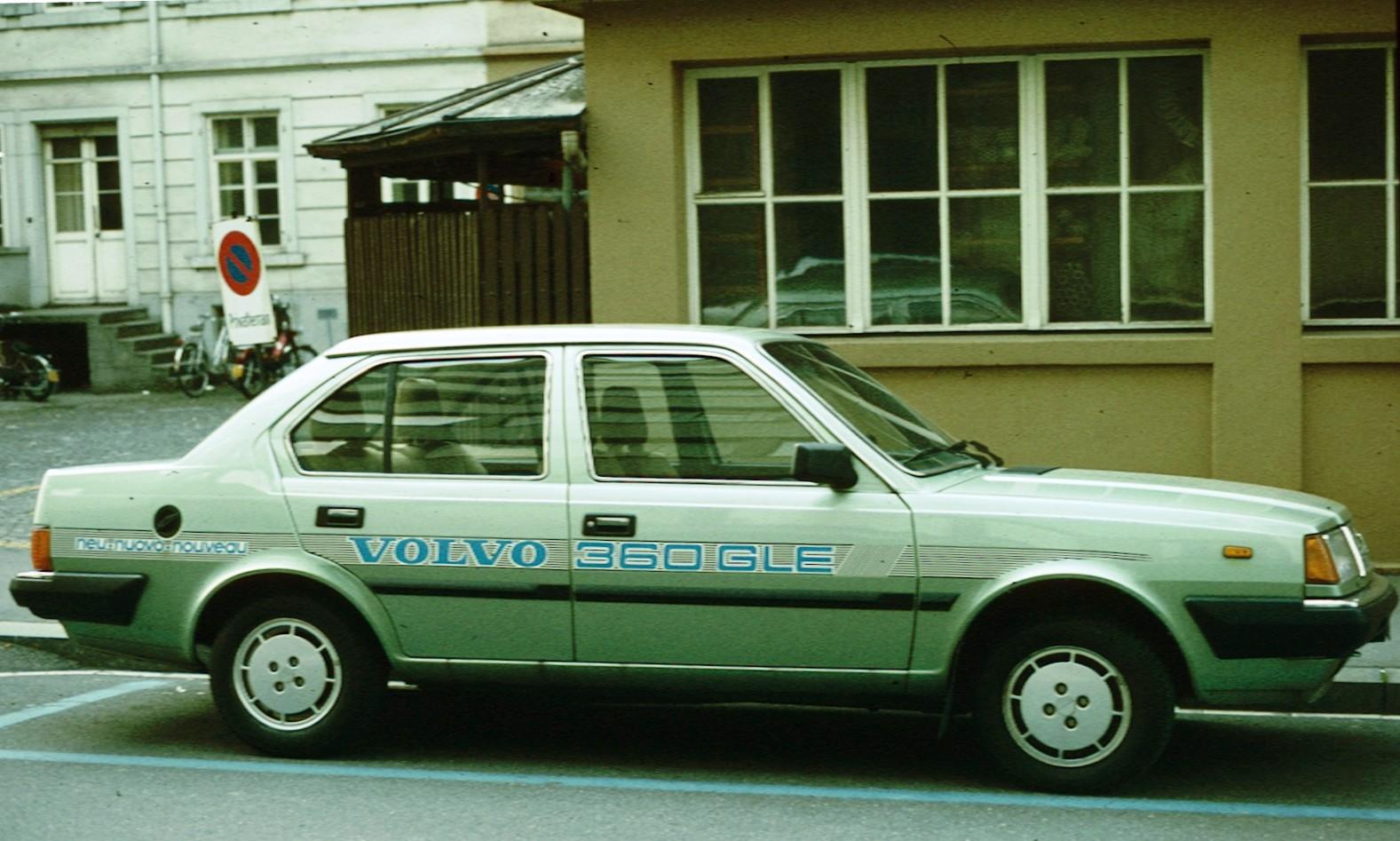 Volvo 300 Series 1975 - 1991 Sedan #6