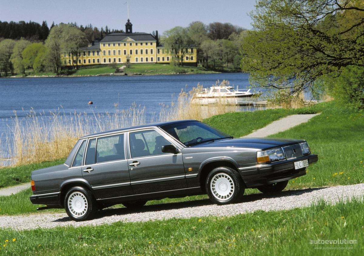 Volvo 760 1982 - 1992 Sedan #1