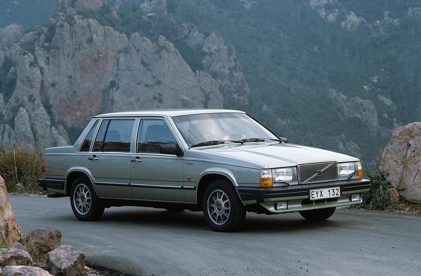 Volvo 760 1982 - 1992 Sedan #2