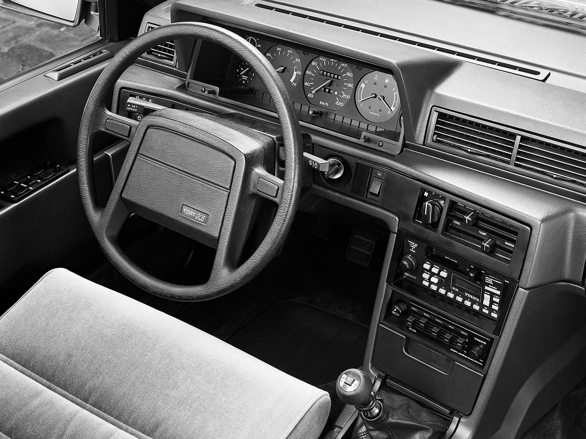 Volvo 760 1982 - 1992 Sedan #5
