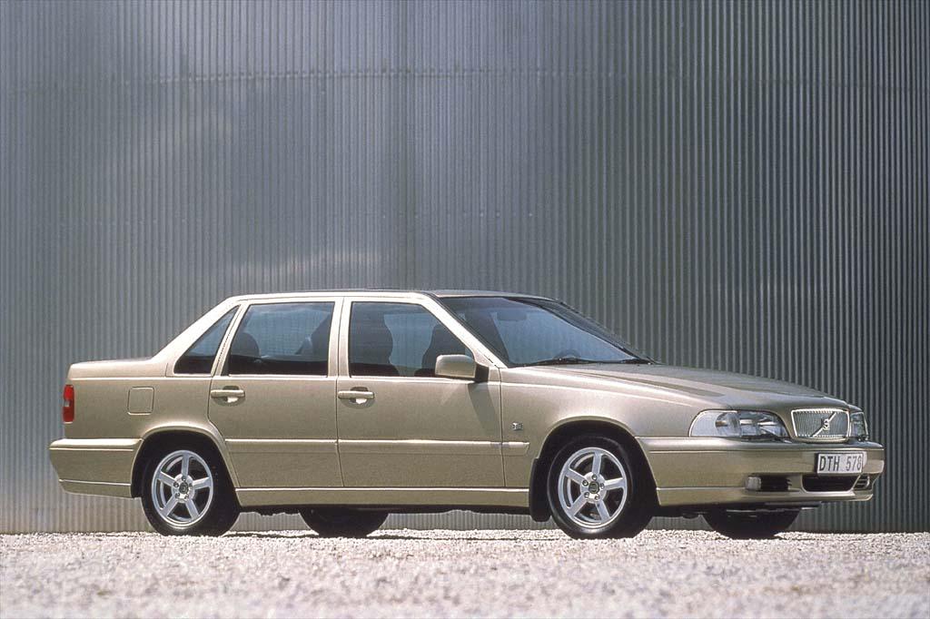 Volvo S70 1997 - 2000 Sedan #1