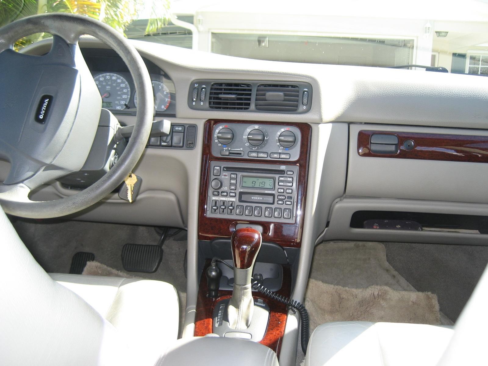 Volvo S70 1997 - 2000 Sedan #3