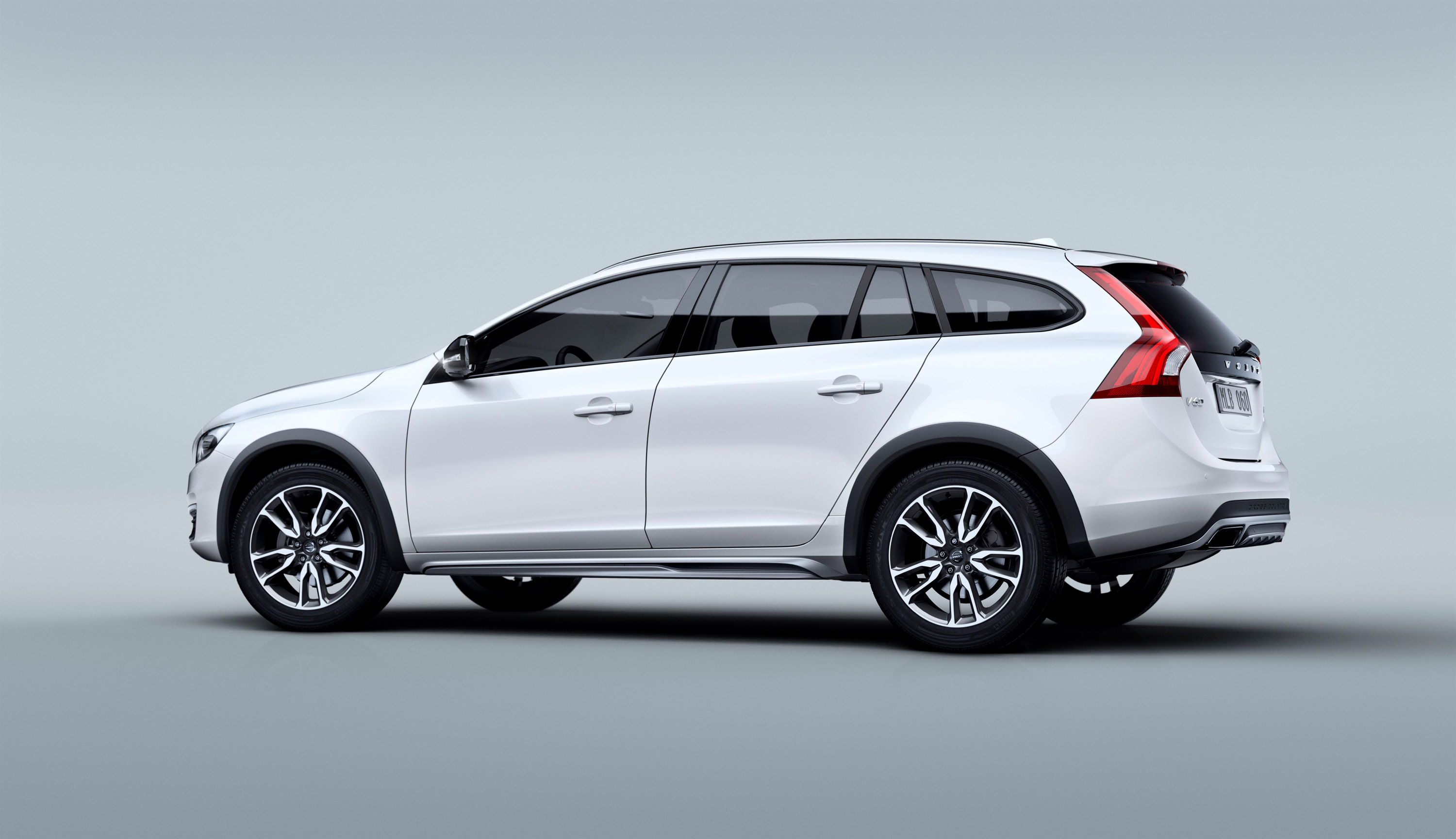 Volvo V60 Cross Country 2015 - now Station wagon 5 door #1
